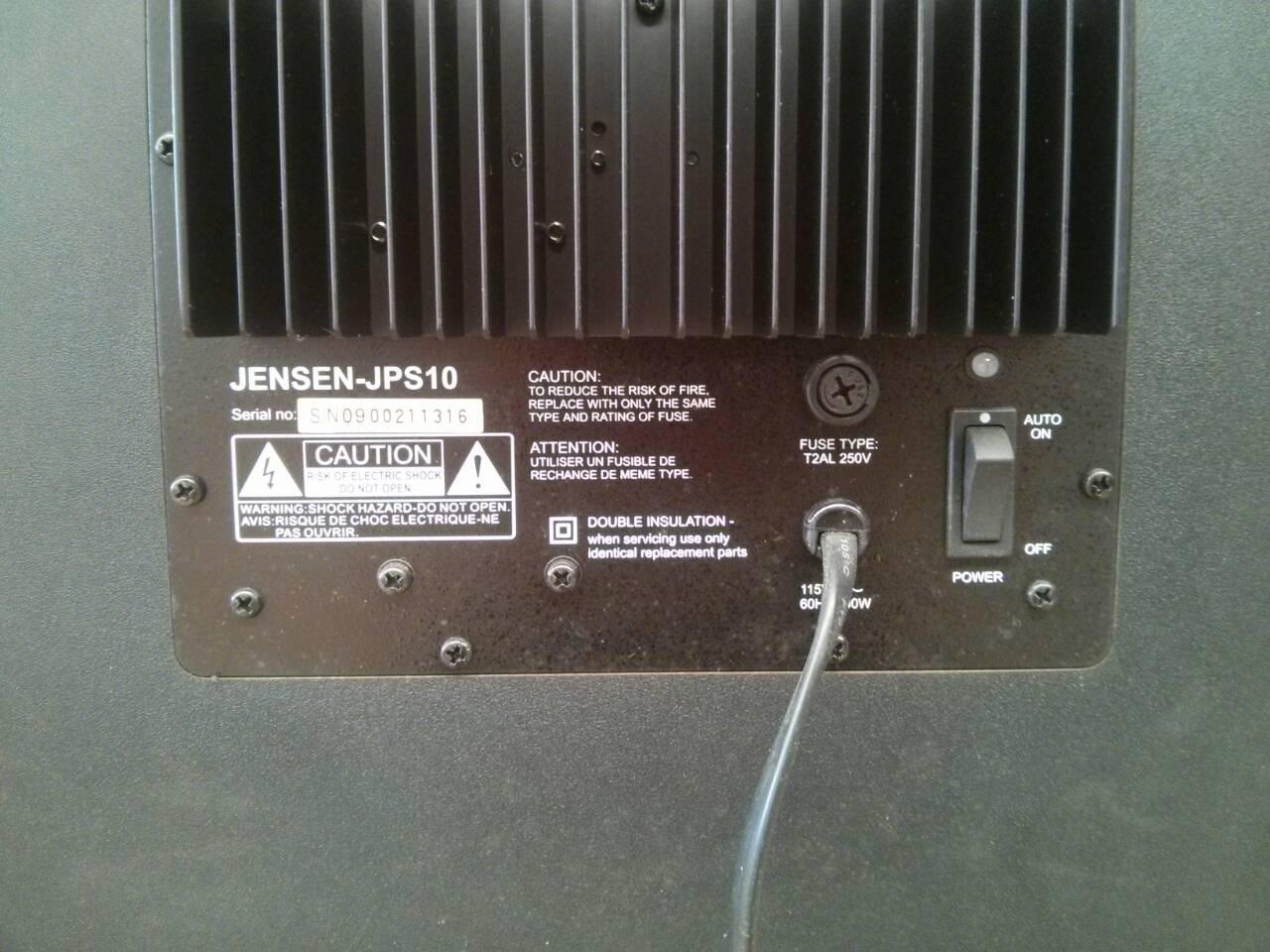 ขายซับวูฟเฟอร์ของ Jansen ใช้ไฟฟ้า 110 วัตต์น่ะครับ ไม่ใช่ 220 วัตต์